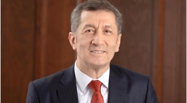 Millî Eğitim Bakanı Ziya Selçuk, uluslararası imam hatip okulları öğrencileri ile buluştu