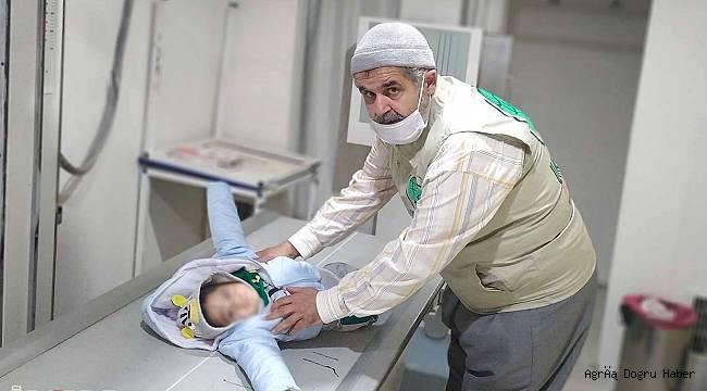 kalça kemiği olmayan minik Ahmet'in tedavisine başlandı