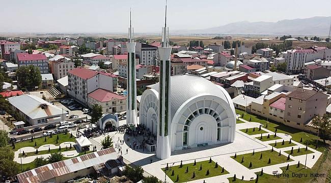 Eleşkirt'teki cami açıldı
