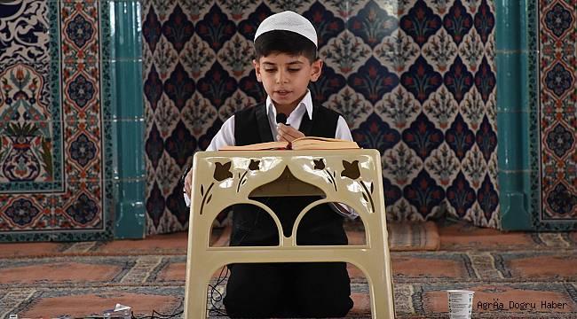 Ağrılı öğrenci Kur'an- ı Kerimi güzel okum yarışmasında dereceye girdi