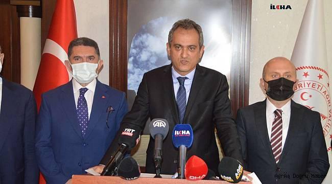 Milli Eğitim Bakanı Özer: Velilerimiz kesinlikle yardımcı kaynak almasınlar